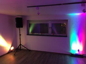 Musikanlage, Beschallung und Lichtanlage auf einem Geburtstag